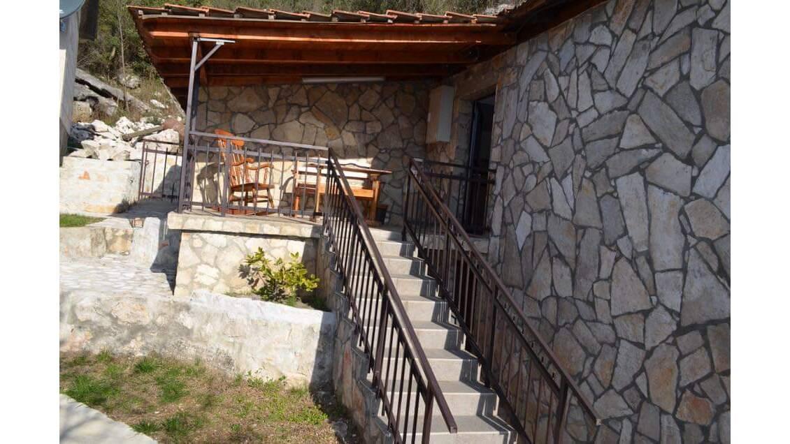 Karuc bb, Cetinje