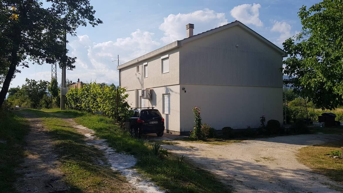 k6099 Lijepa i kvalitetna kuća u seoskom području, Kotor, Grbalj, Kotor