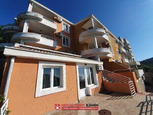 h7089 Prodaje se hotel sa prelepim pogledom na more, Petrovac, Budva
